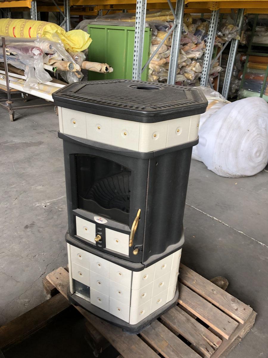 Stufa a legna panarea in acciaio verniciato 10 kw caminetto h 88 cm made in italy